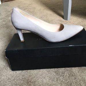 """Nine West 2"""" heels 🖤"""